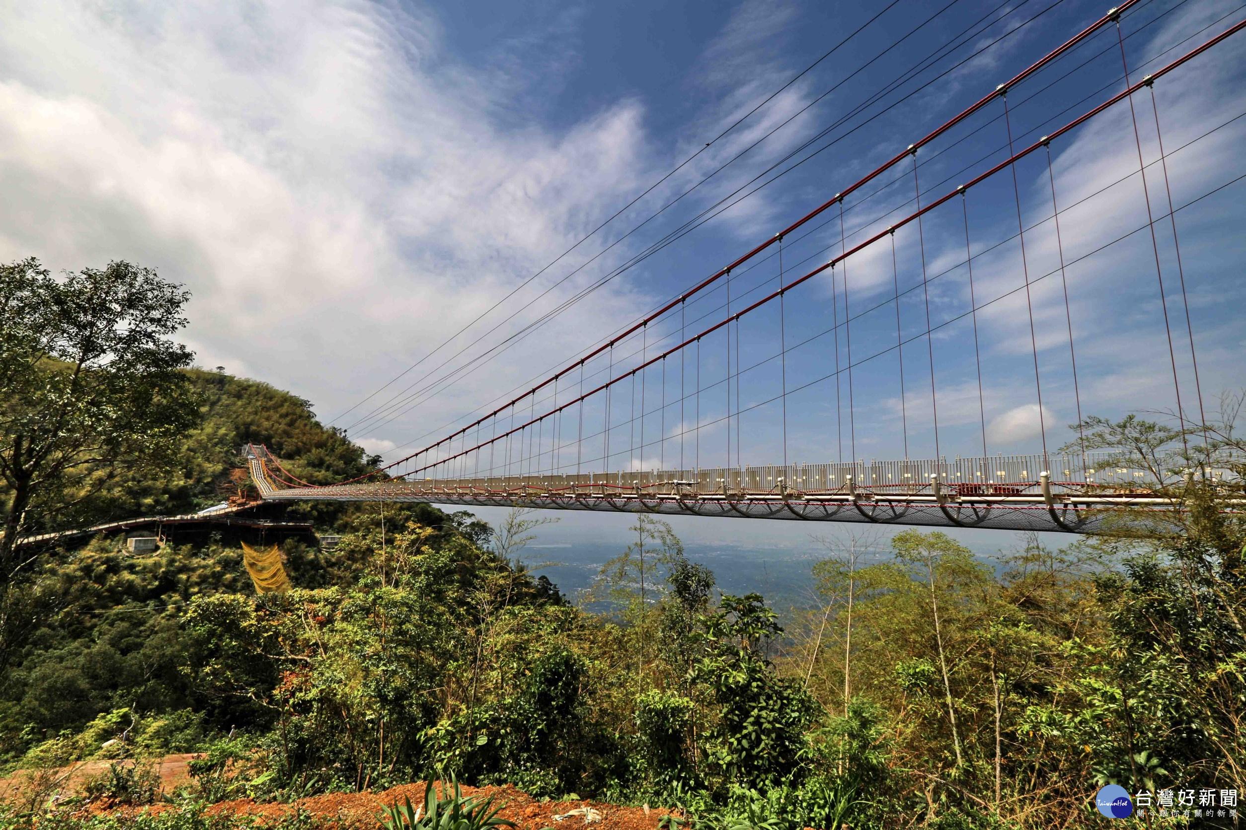 全台最長吊橋「太平雲梯」23日啟用 公車路線同步配合營運