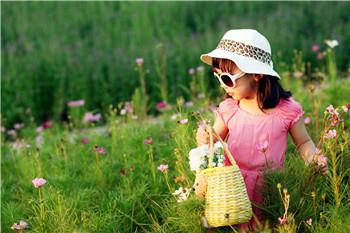 帶孩子摘草莓要小心,防護不當會生病!
