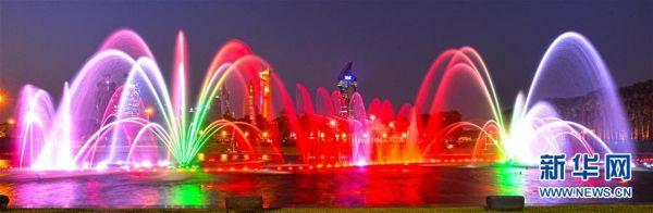科威特:炫彩燈光噴泉秀