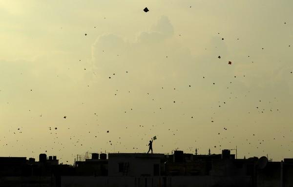 印度獨立日恐怖風箏割人 兩童一男喉管斷裂慘死_宜蘭傳統藝術中心